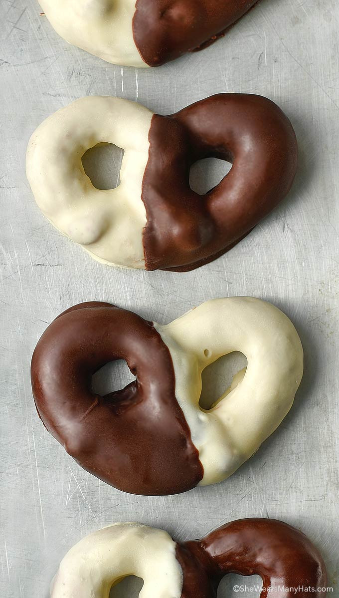 White Chocolate Covered Pretzels  Black and White Chocolate Covered Pretzels