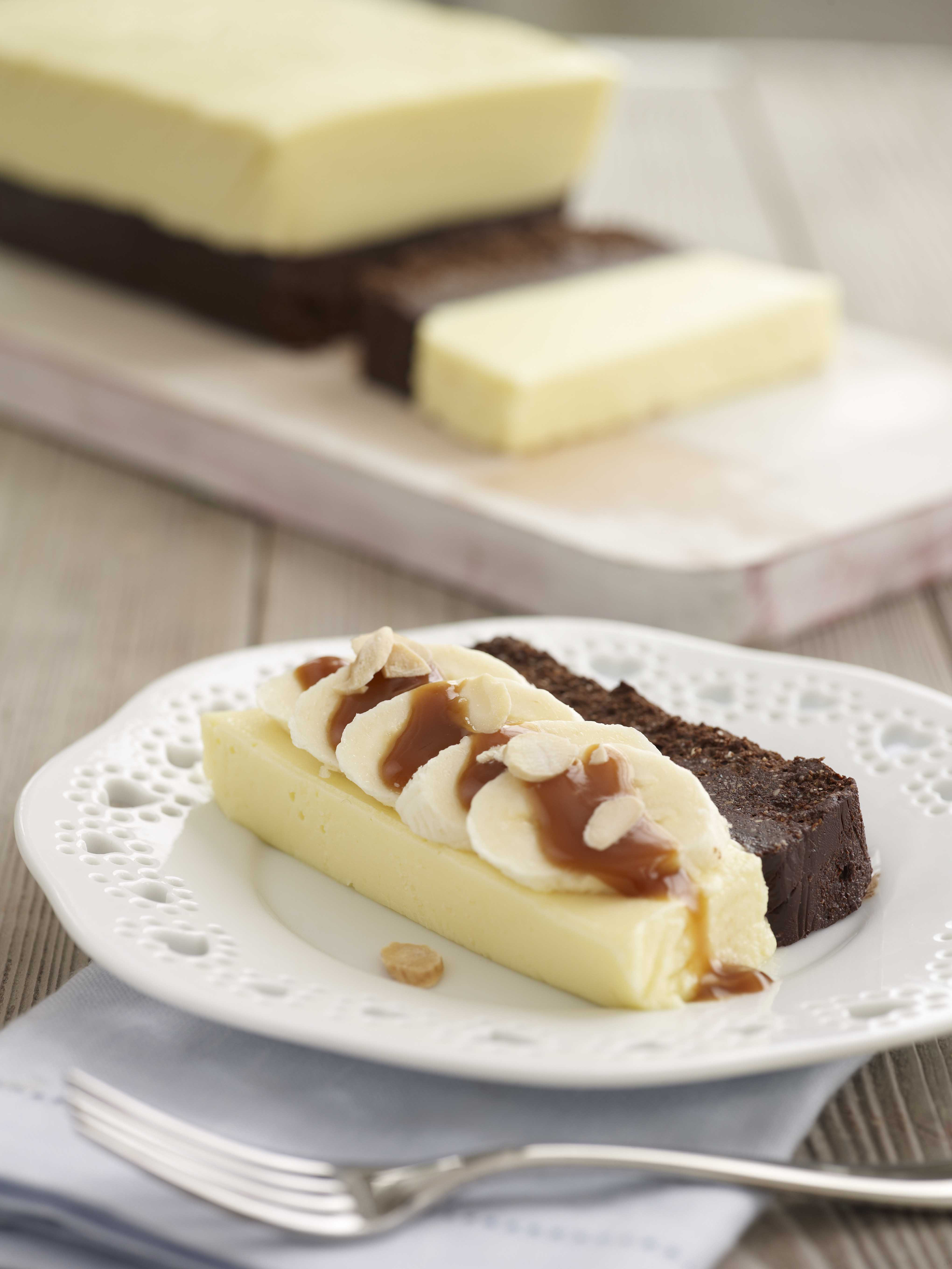 White Chocolate Desserts  White Chocolate and Praline Mousse with Sliced Bananas and