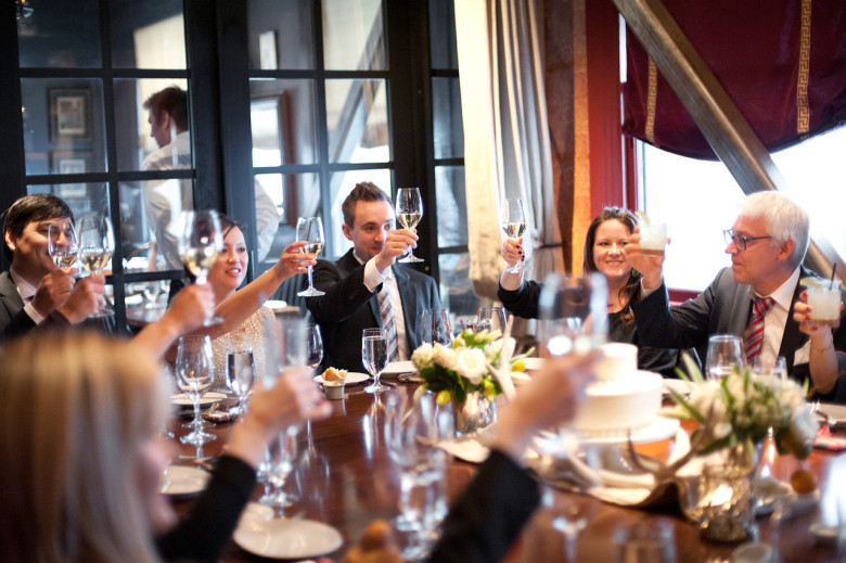 Who Attends The Rehearsal Dinner  Rehearsal Dinner Invitations Etiquette You Should Know