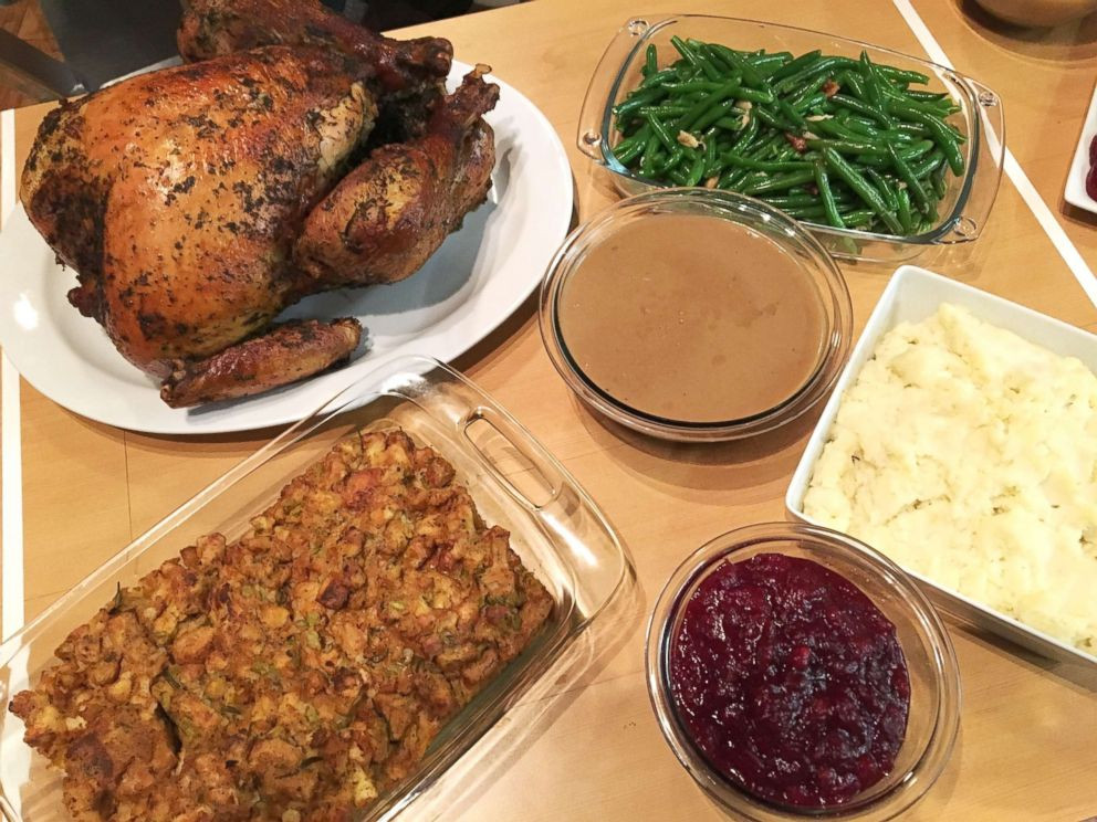 Whole Food Thanksgiving Dinner Order  Trying out 3 convenient meal options for Thanksgiving