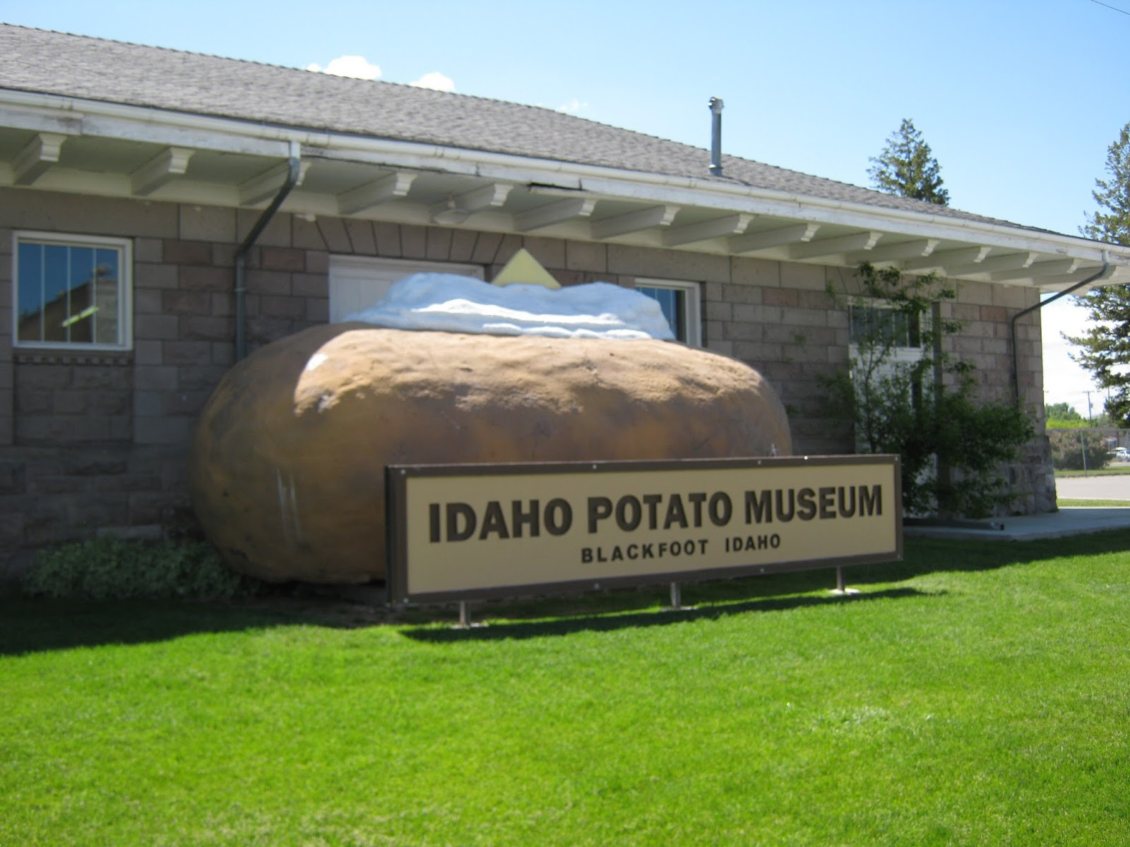 Worlds Biggest Potato  Giant Statues of Things