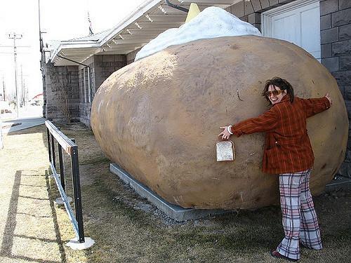 Worlds Biggest Potato  i love the world s largest styrofoam potato