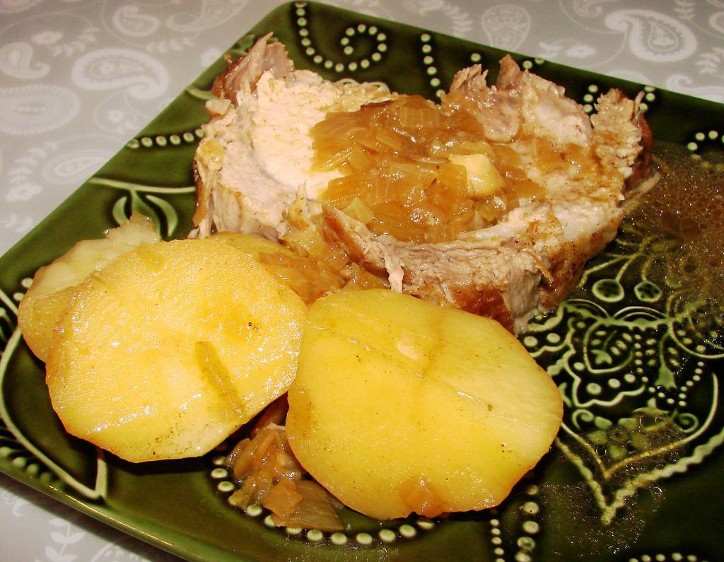 Yellow Potato Recipes  Pork Roast with Yellow Potatoes from Ricardo