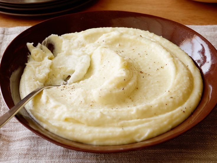 Yukon Gold Mashed Potatoes  Best 25 Yukon gold potatoes ideas on Pinterest