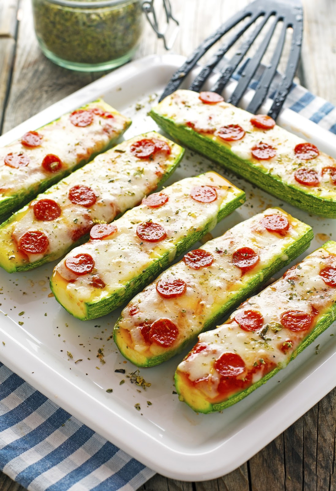 Zucchini Pizza Boats  The Iron You Zucchini Pizza Boats