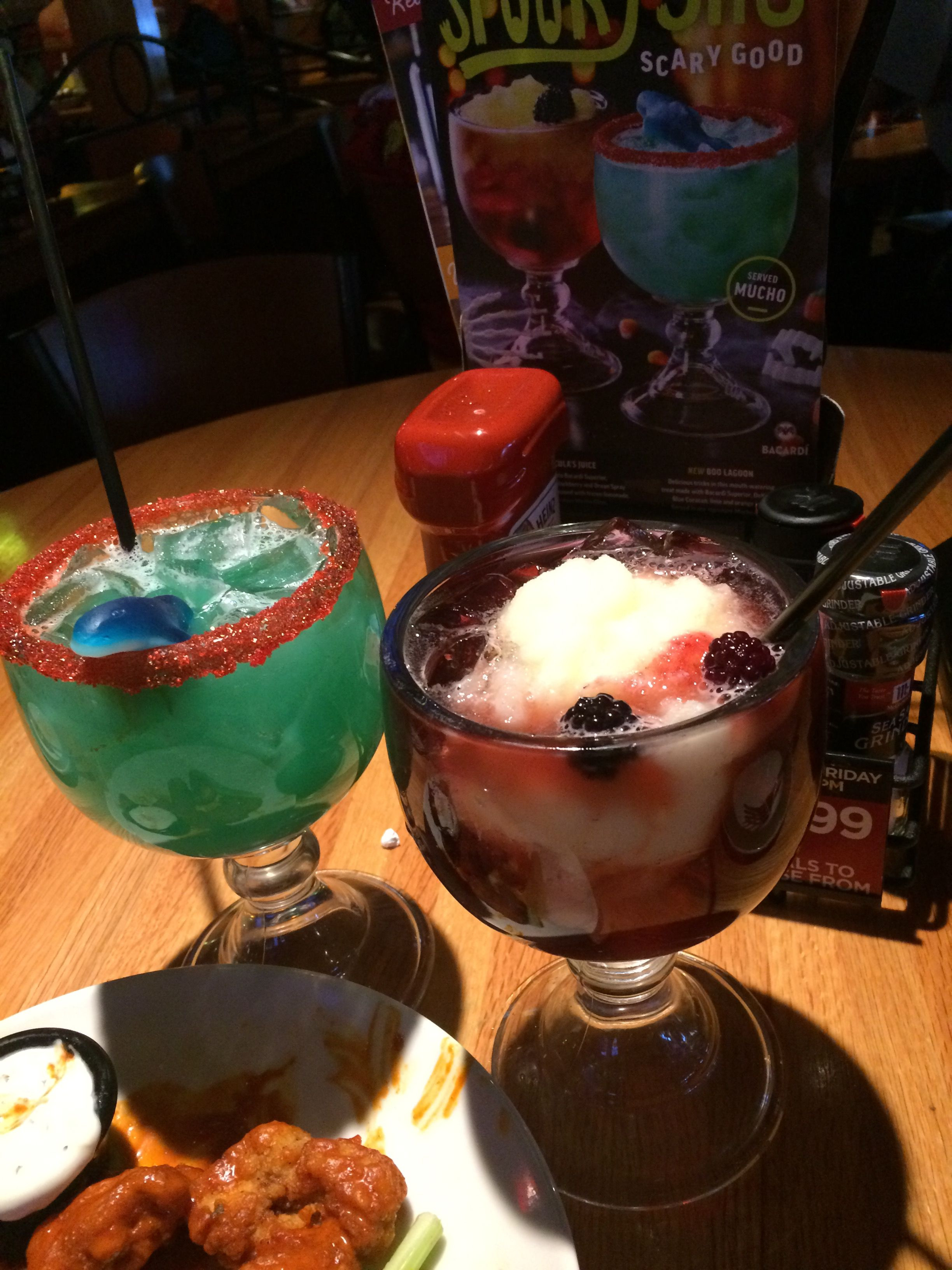 Applebees Halloween Drinks  Applebee's New Halloween Themed Drinks Yumm They're