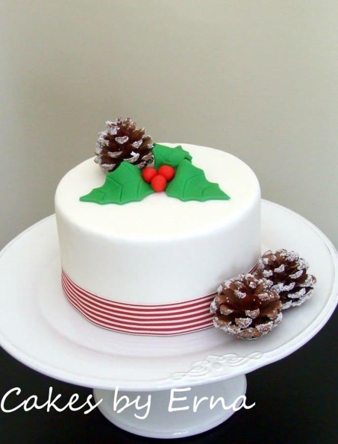 Beautiful Christmas Cakes  Celebrate Christmas with this beautiful Christmas Cake