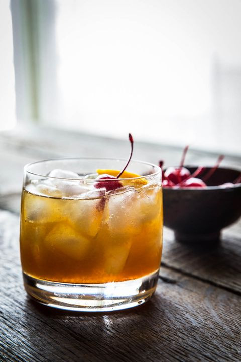Best Thanksgiving Drinks  14 Best Fall Cocktails for Thanksgiving Recipes for Easy