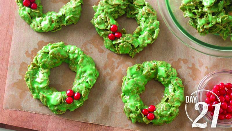 Betty Crocker 3 Ingredient Christmas Swirl Fudge  24 Days of Cookies BettyCrocker