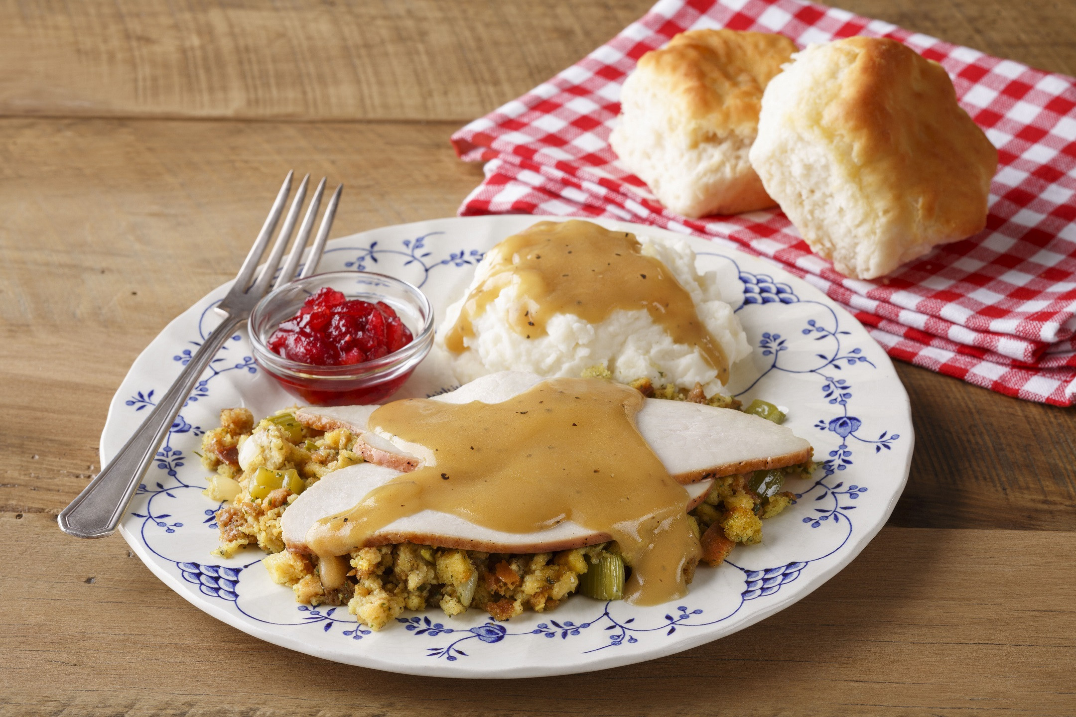 Bob Evans Thanksgiving Dinners  Bob Evans Celebrates Families in August Opera Singer in