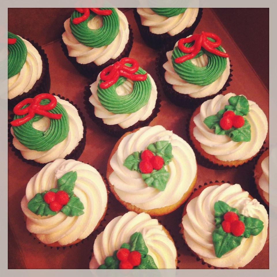 Buttercream Christmas Cakes  Cakes by Becky December 2012