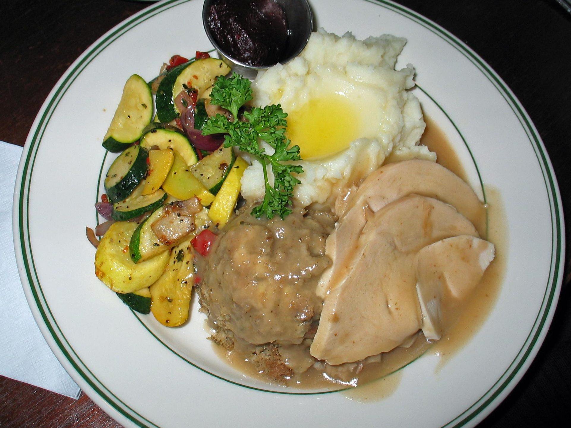 Byerlys Thanksgiving Dinners  Huber's Café