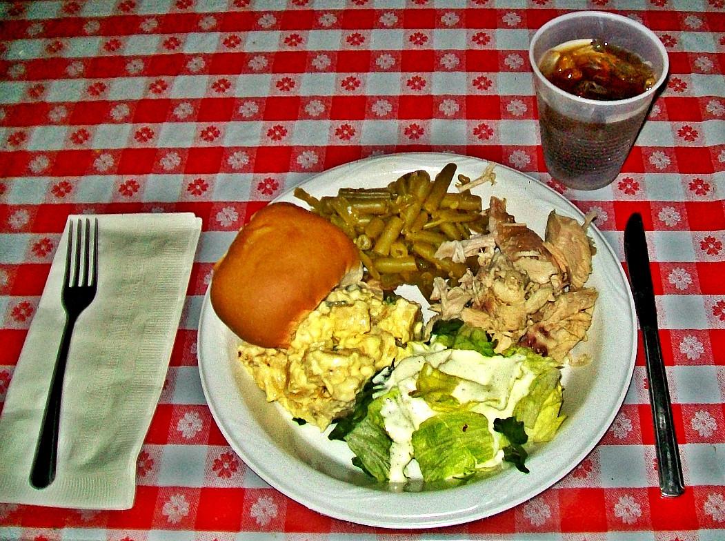 Byerlys Thanksgiving Dinners  Entertainment