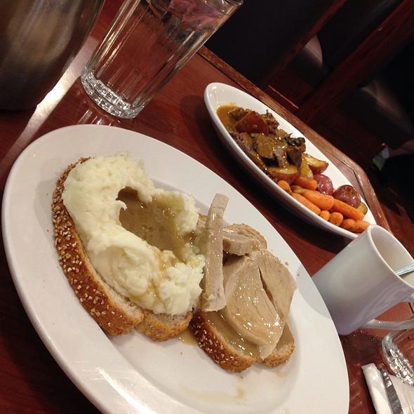 Byerlys Thanksgiving Dinners  Byerly s Roseville Menu St Paul MN Foodspotting