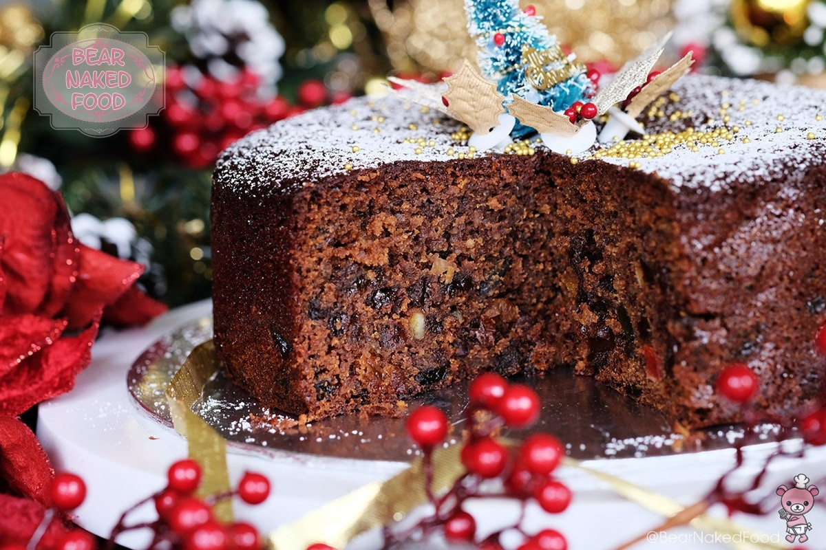 Cakes Recipes For Christmas  Quick and Easy Christmas Fruit Cake