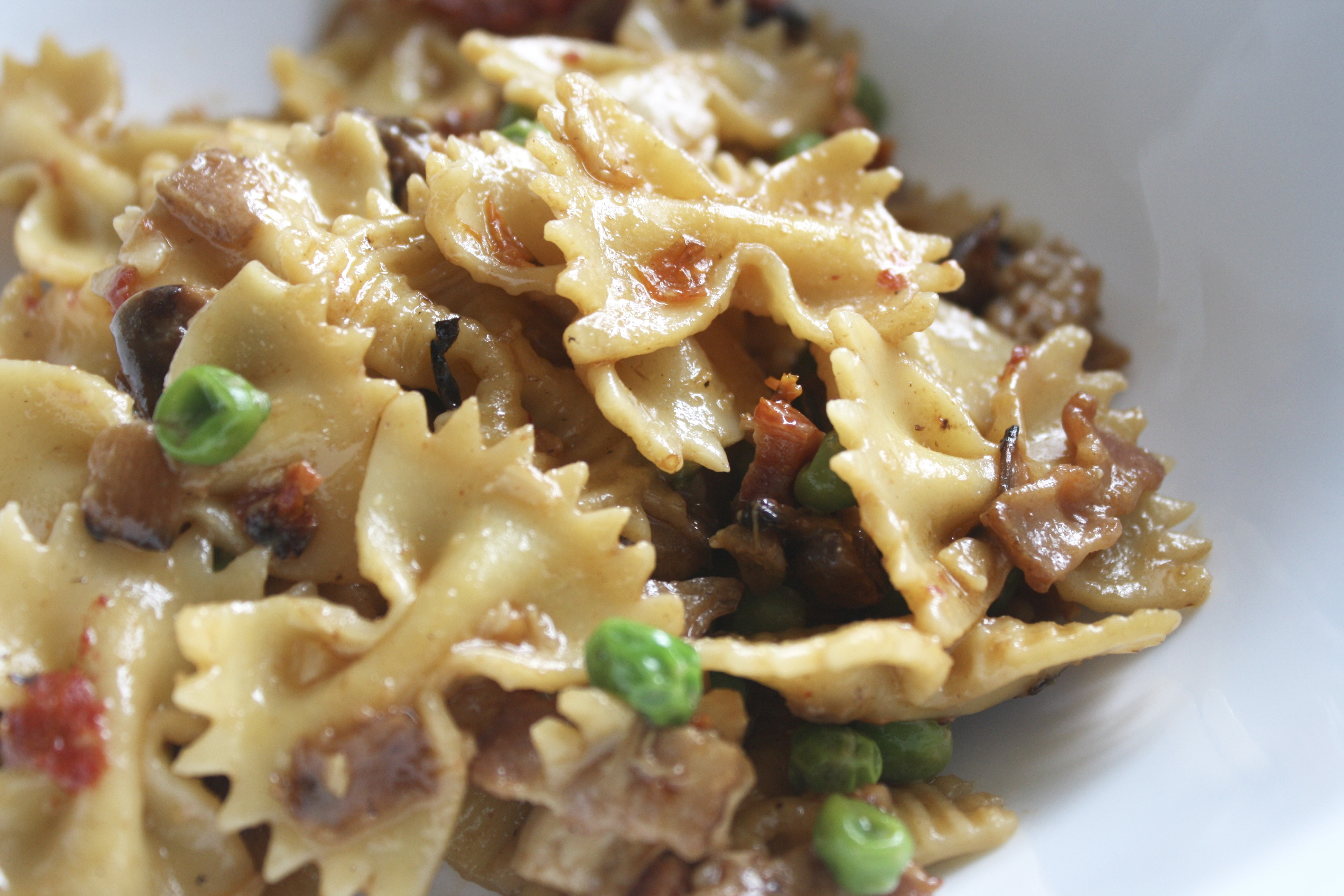 Cheesecake Factory Farfalle With Chicken And Roasted Garlic  the BEST Copycat Cheesecake Factory Farfalle with Chicken