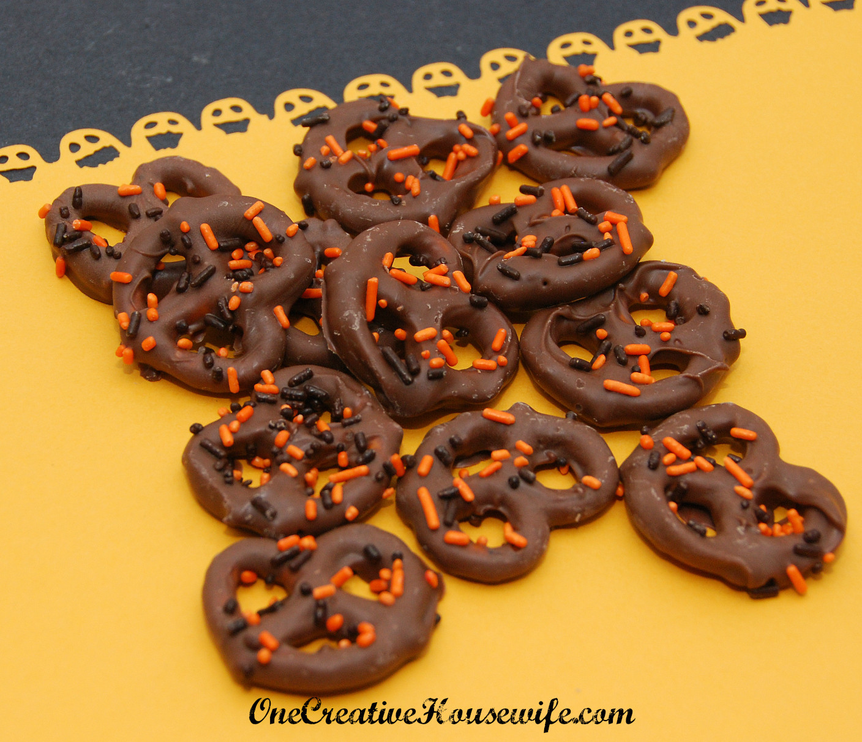 Chocolate Covered Pretzels Halloween  e Creative Housewife Halloween Chocolate Covered Pretzels