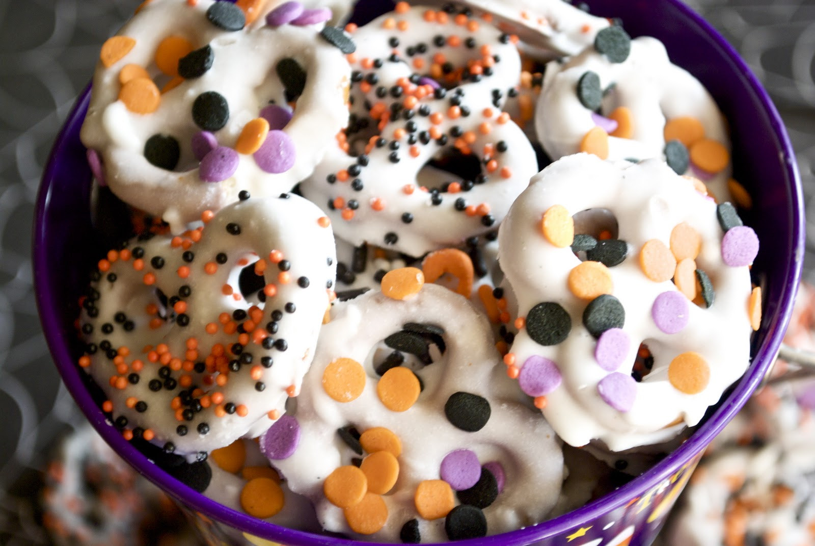 Chocolate Covered Pretzels Halloween  Chocolate Covered Pretzels A Pumpkin And A Princess