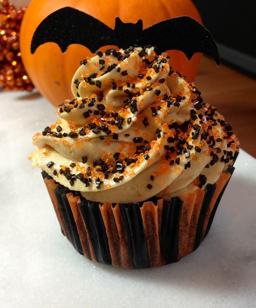Chocolate Halloween Cupcakes  Peanut Butter & Chocolate Cupcakes for Halloween