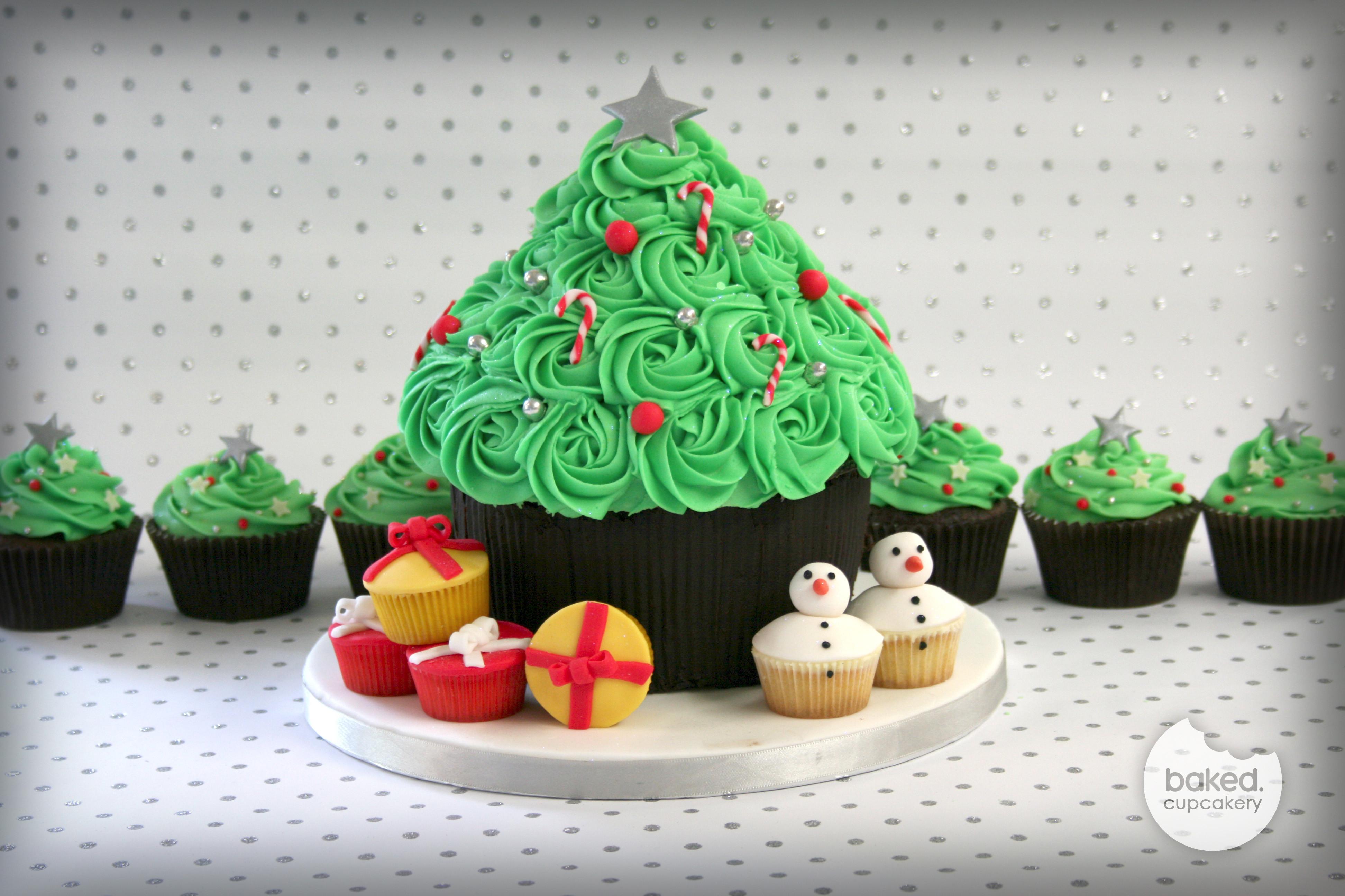Christmas Cake Cupcakes  A Cupcake Christmas – Baked