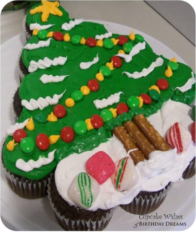 Christmas Cake Cupcakes  Cupcake Wishes & Birthday Dreams Day 12 12 Days of
