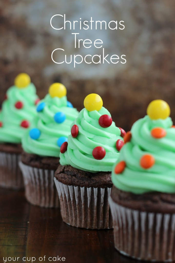Christmas Cake Cupcakes  Easy Cupcake Decorating for Christmas Your Cup of Cake