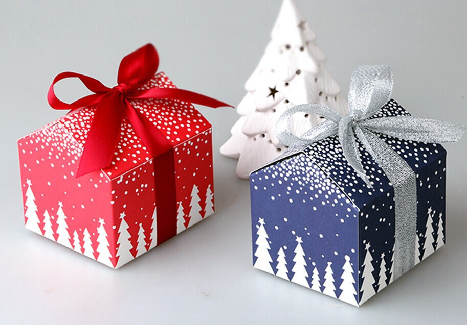 Christmas Candy Boxes  50pcs Christmas and New Year tree house mini candy box