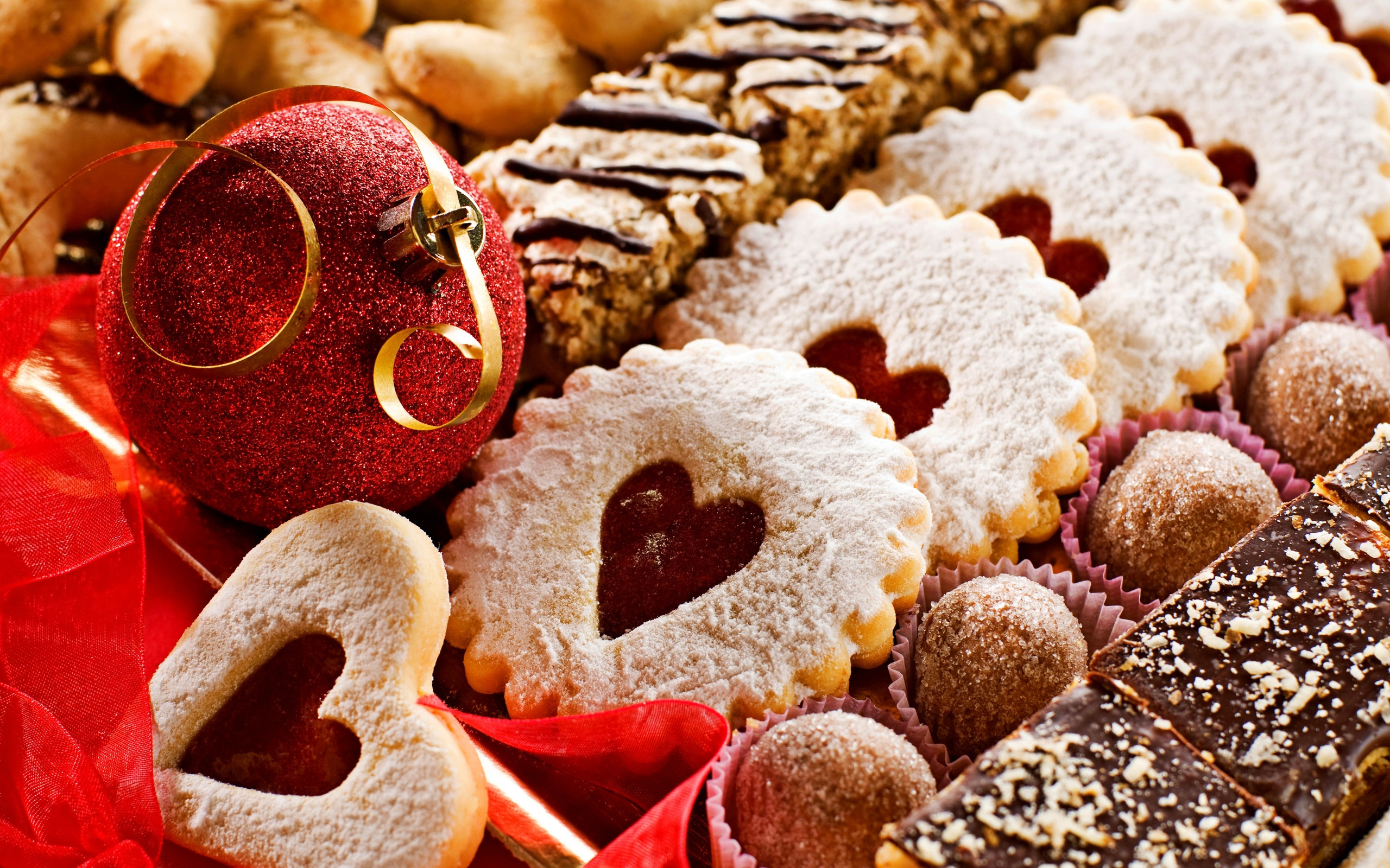 Christmas Cookies And Holiday Hearts  Delicious Christmas Holiday Cookies Hearts Desktop Wallpaper