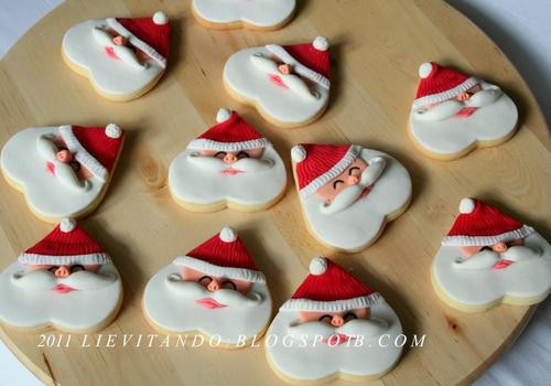 Christmas Cookies And Holiday Hearts  Santa Cookie discovered by Vanessa on We Heart It