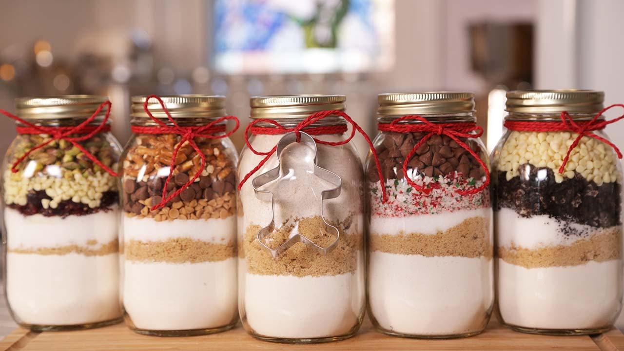 Christmas Cookies In Ajar  5 Cookie In A Jar Recipes