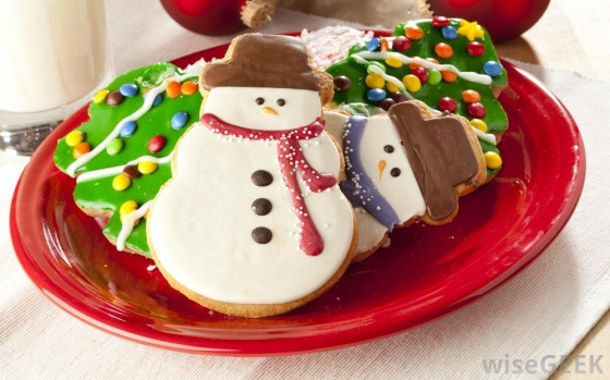 Christmas Cookies Plates  The Best and Worst Christmas Flavors