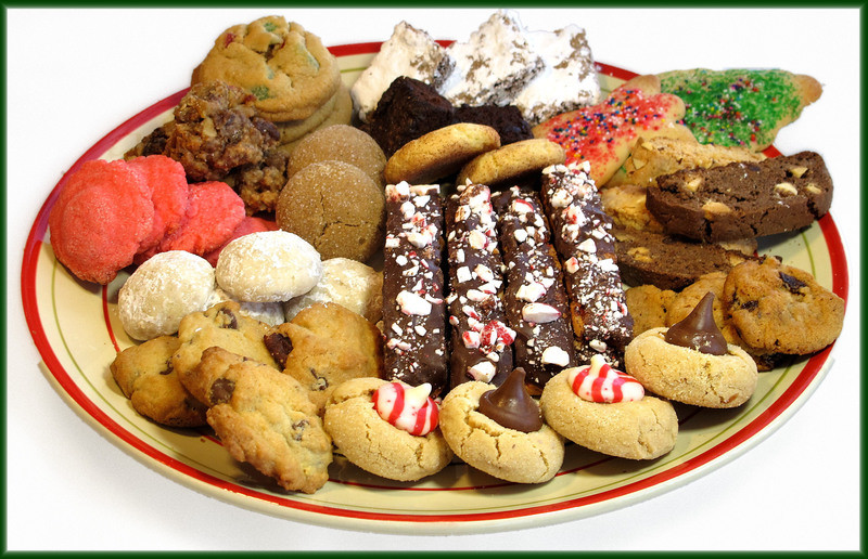 Christmas Cookies Plates  Holiday cookie tradition steeped in history