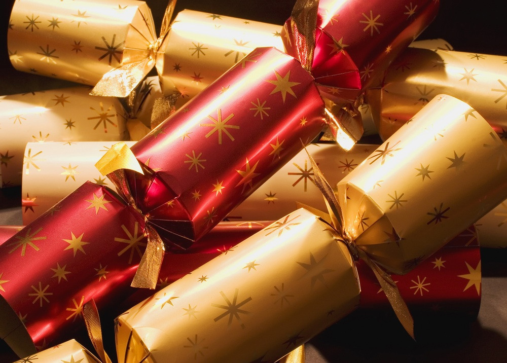 Christmas Crackers Uk  How to Christmas – Christmas Crackers