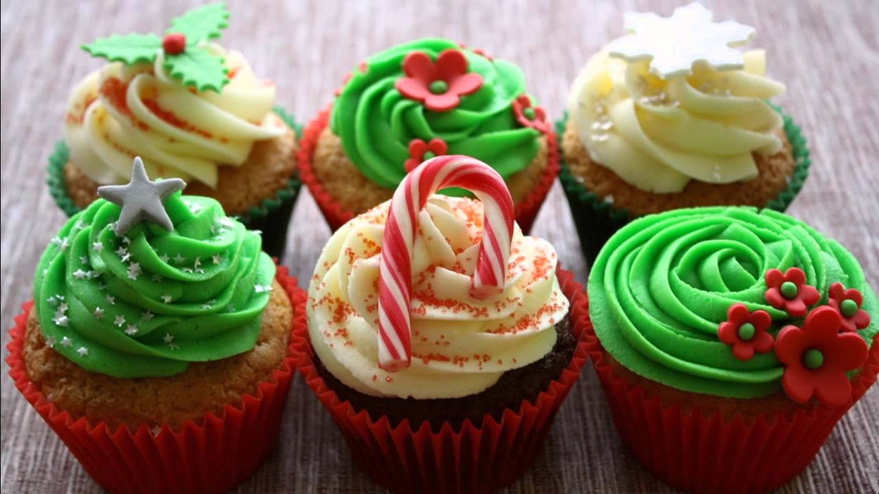 Christmas Cup Cakes Designs  Best Christmas cupcake decorating ideas