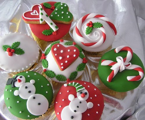 Christmas Cup Cakes Designs  Xmas cup cake Special