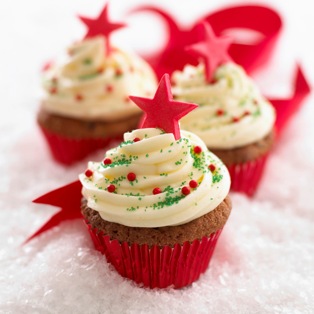 Christmas Cupcakes Images  12 Bakes of Christmas – Easy Iced Cupcakes