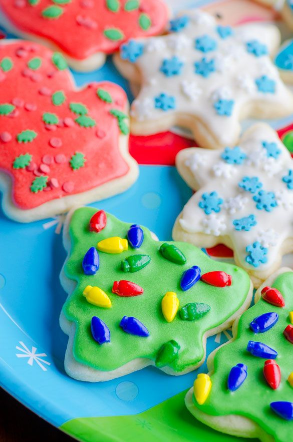 Christmas Cut Out Sugar Cookies Recipes  Soft Christmas Cut Out Sugar Cookies with Easy Icing