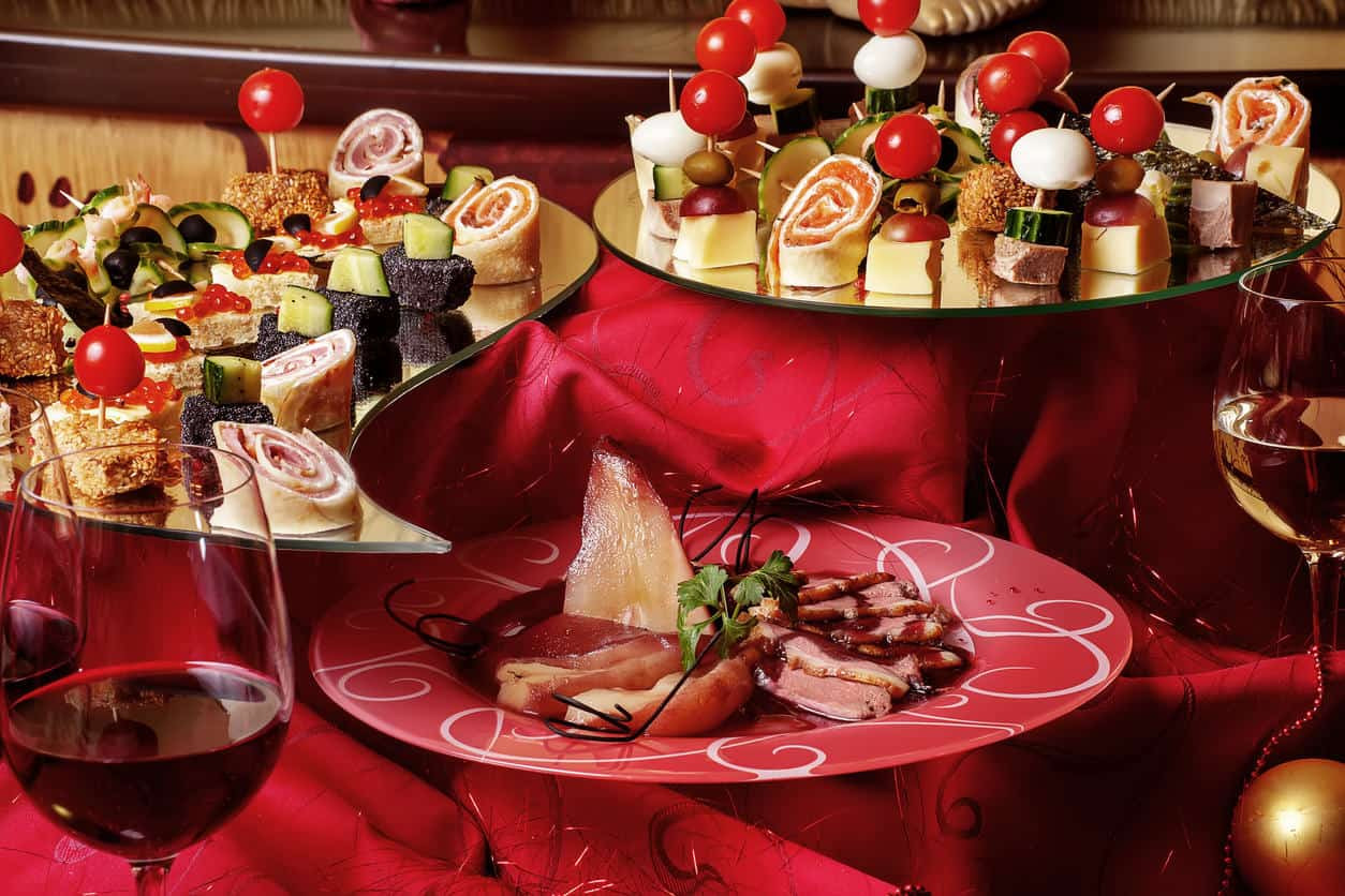 Christmas Dinner Catering  The Italian Guide To Planning & Catering Your 2016 Holiday