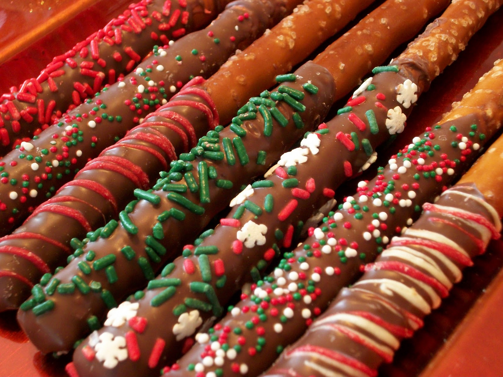 Christmas Dipped Pretzels  Lola Pearl Bake Shoppe December 2011