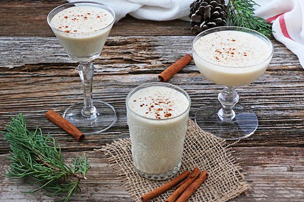 Christmas Eggnog Drink  DIY Holiday Drinks & Bites