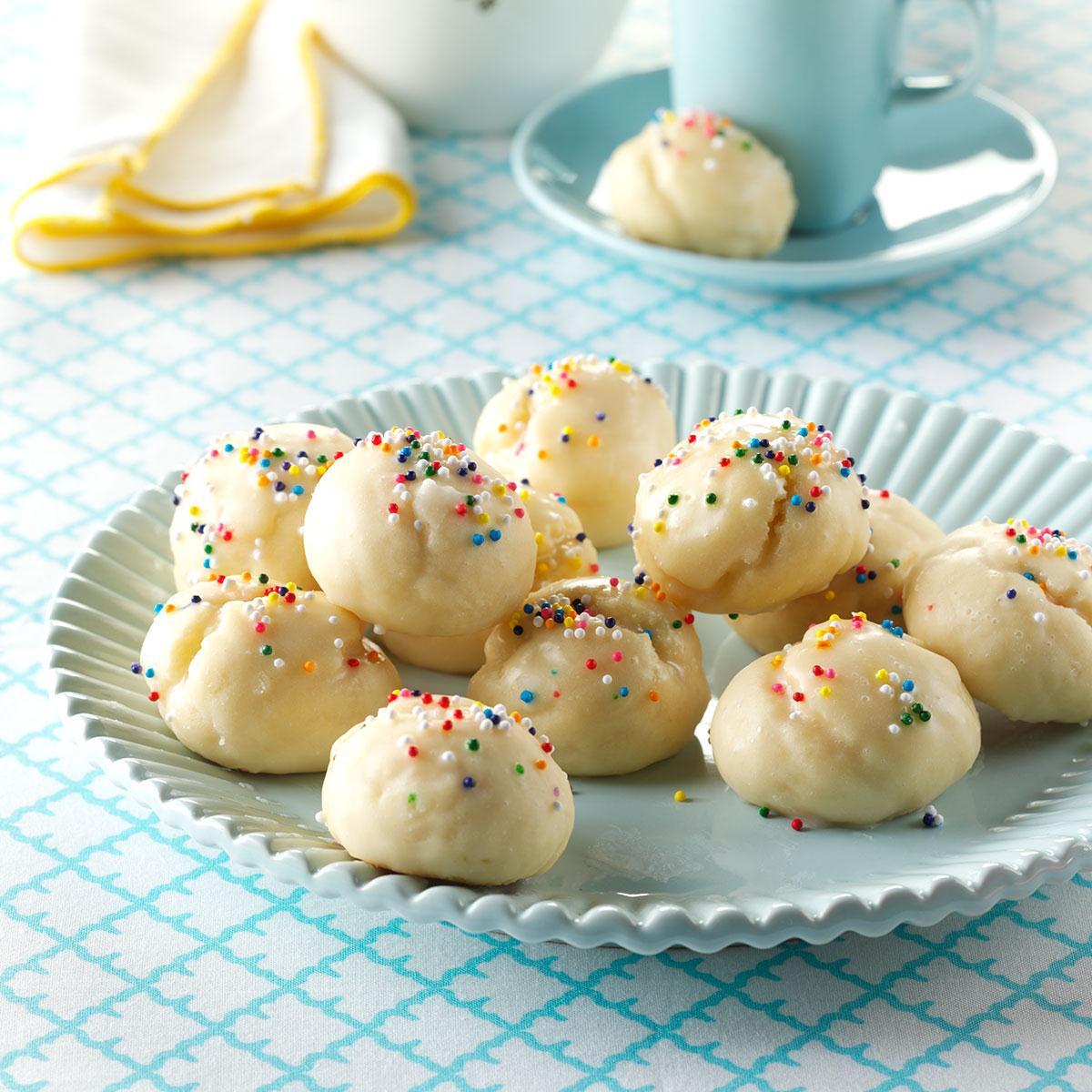 Christmas Italian Cookies  Italian Sprinkle Cookies Recipe