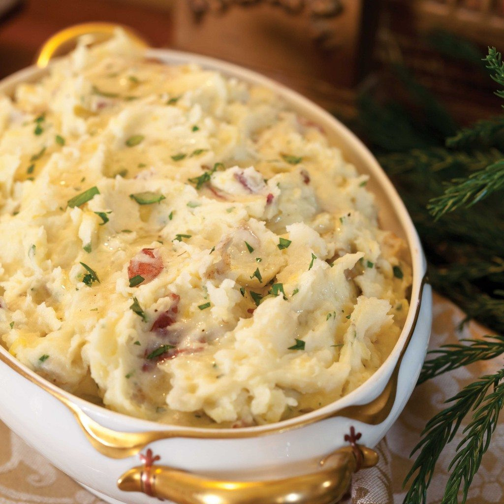 Christmas Mashed Potatoes  22 Savory Mashed Potatoes Recipes to Whip Up for Your