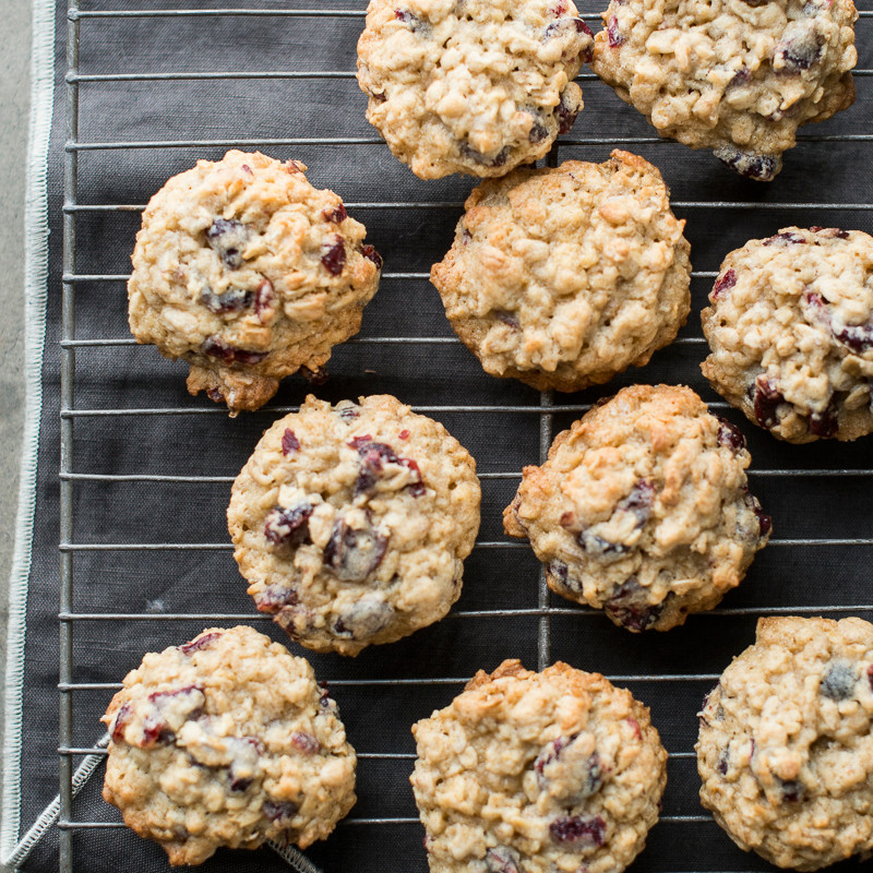 Christmas Oatmeal Cookies  Oatmeal Cranberry Cookies Recipe Todd Porter and Diane