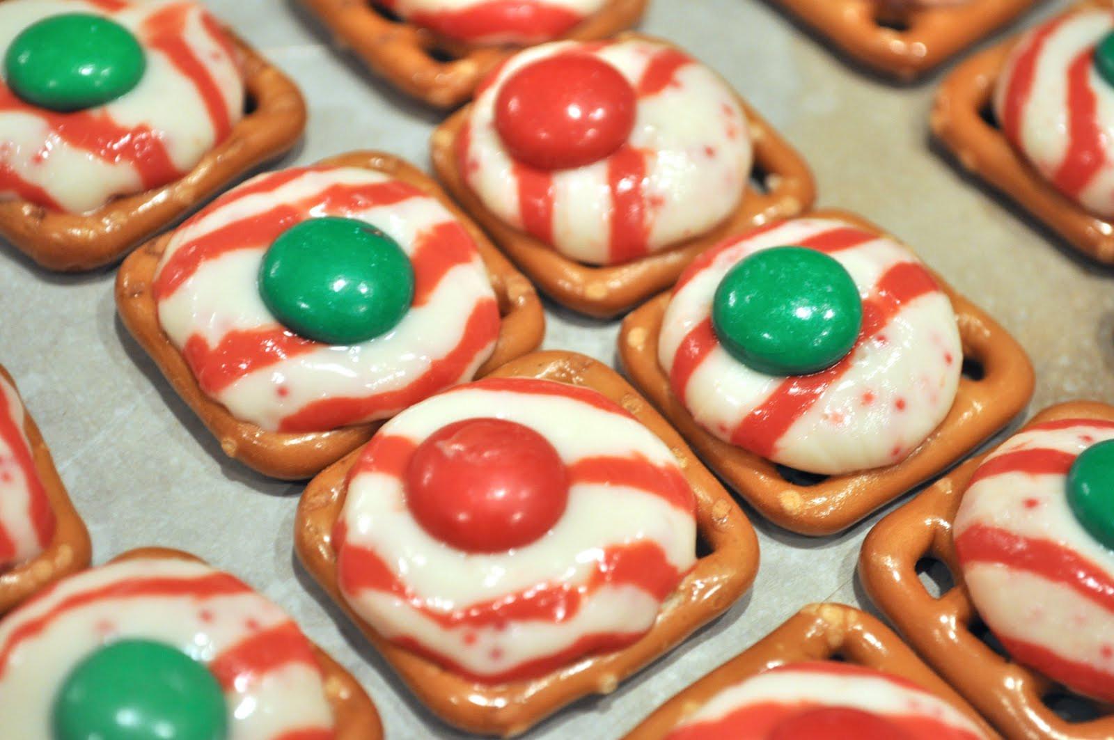 Christmas Pretzels Recipe  Monday Munchies – Holiday Pretzel Kisses