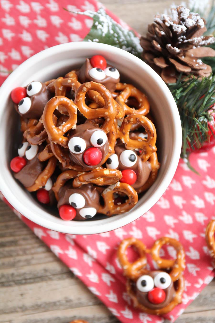 Christmas Pretzels Recipe  18 Holiday Candy Recipes