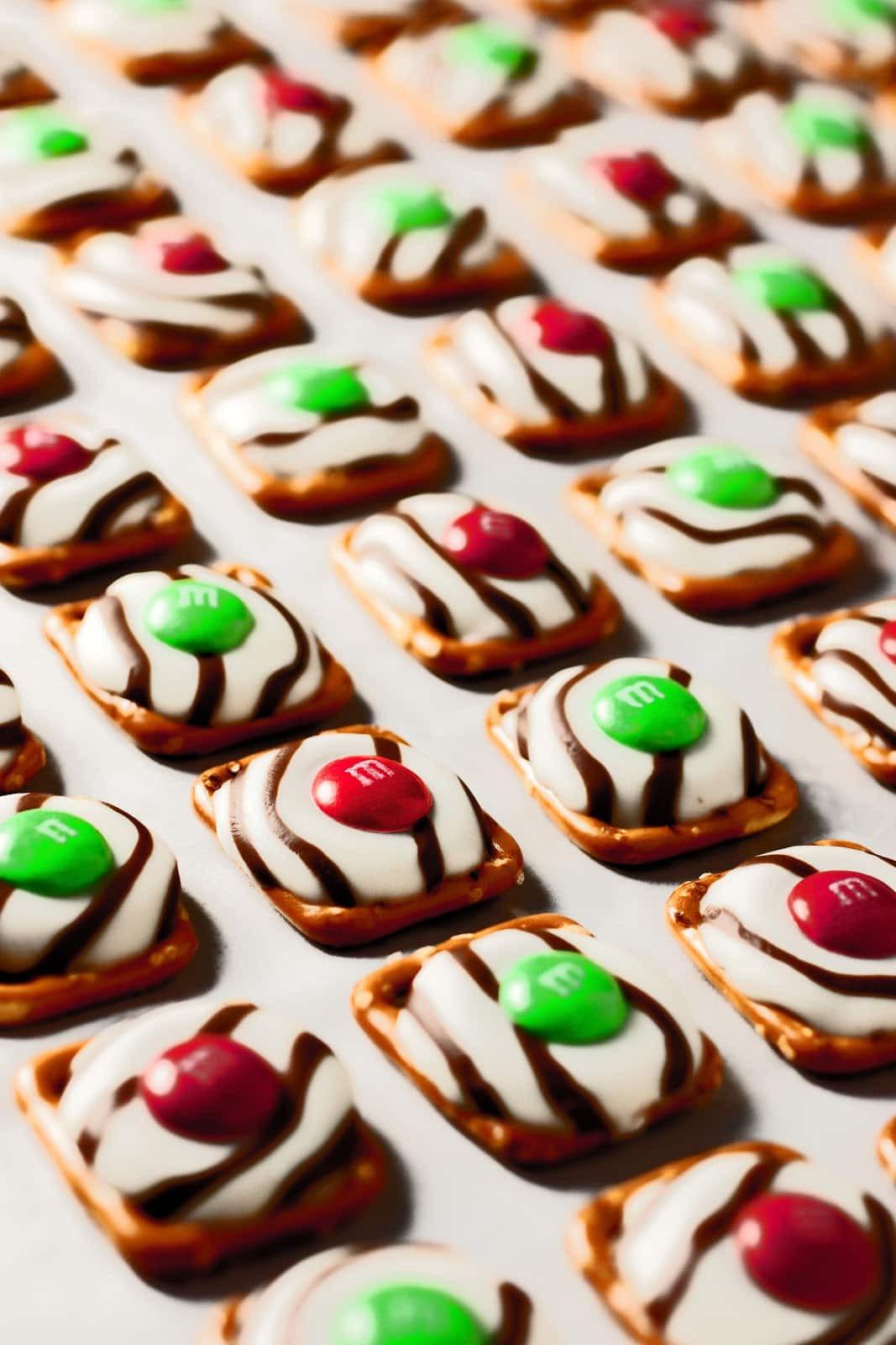 Christmas Pretzels Recipe  Pretzel M&M Hugs Christmas Style Cooking Classy