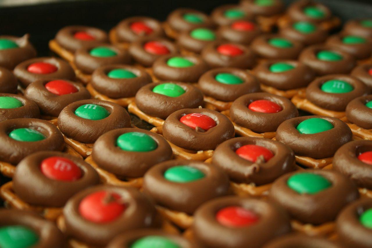 Christmas Pretzels Recipe  Recipe Shoebox Holiday Baking 9 Easy Chocolate Pretzel