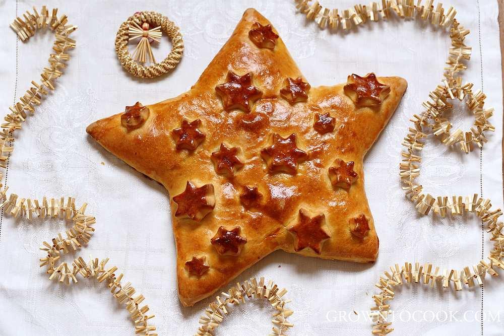 Christmas Star Bread  Christmas star bread with hazelnut raisin filling