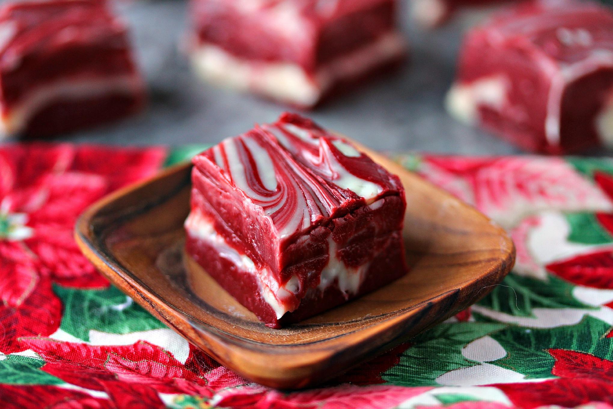 Christmas Swirl Fudge  Red Velvet Swirl Fudge 4 Ingre nts