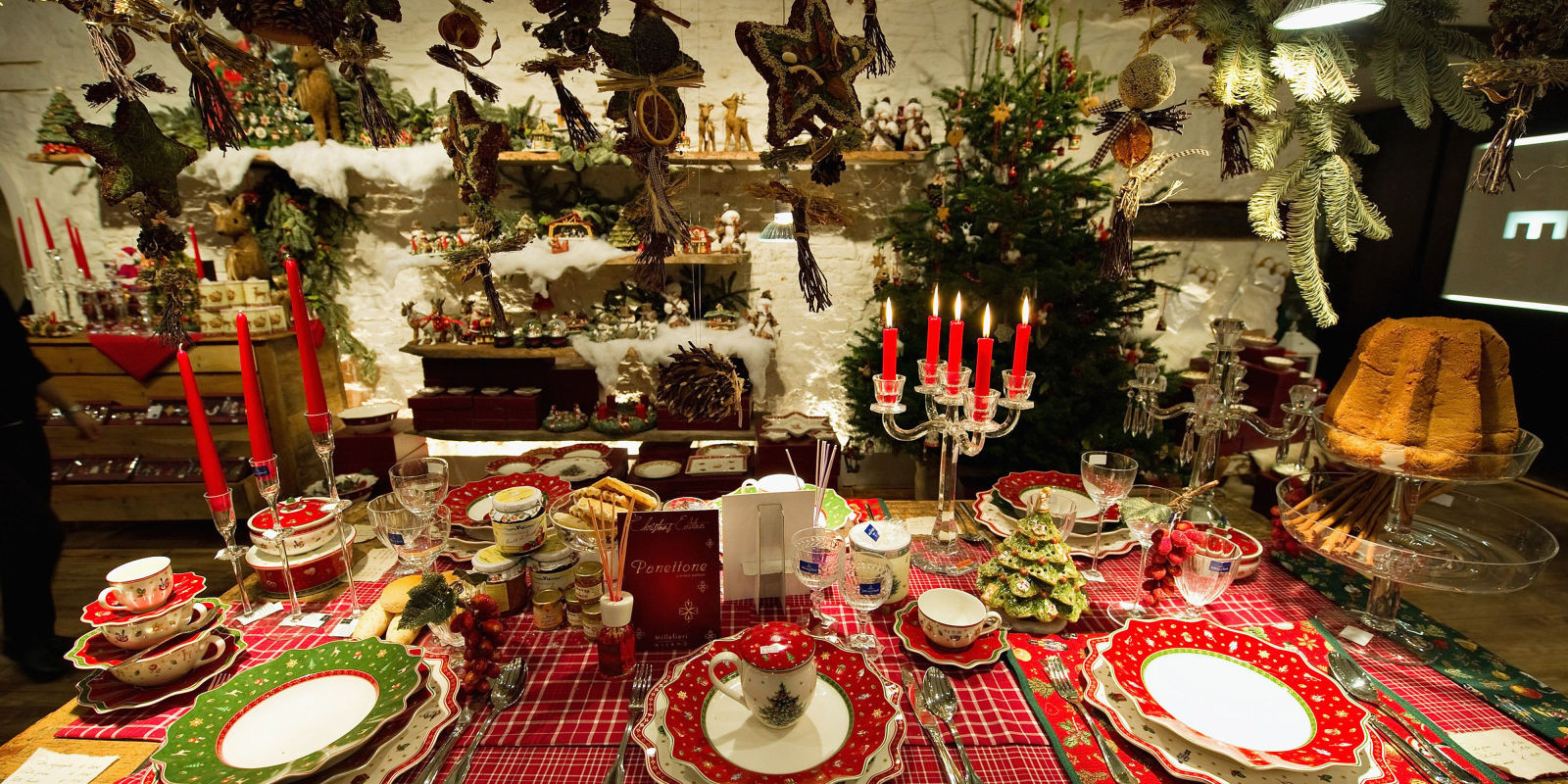 Christmas Theme Dinners  10 Christmas Table Settings 2016 Decoration Ideas for